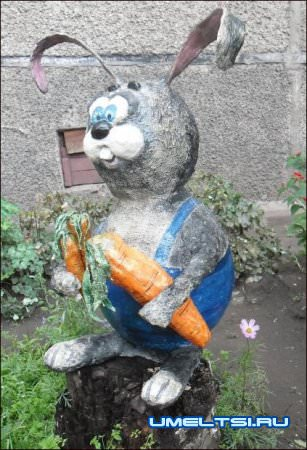 фигурка для сада заяц