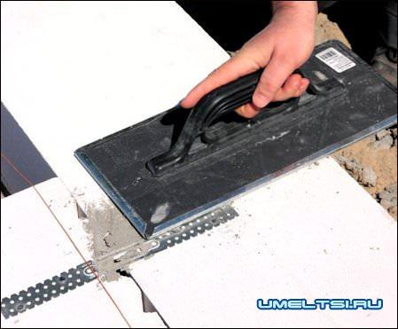 Плоские анкеры позволяют выполнять сопряжение стен без перевязки