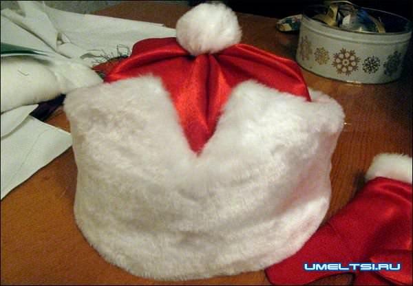 Шапка и варежки Деда Мороза своими руками