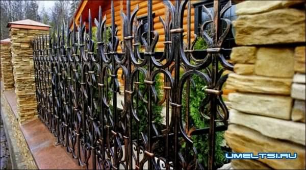 Заборы и изгороди на даче