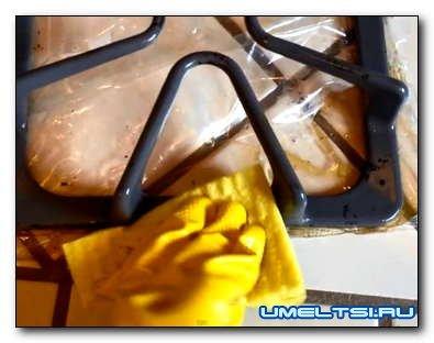 Как отмыть чугунную решетку газовой плиты от жира