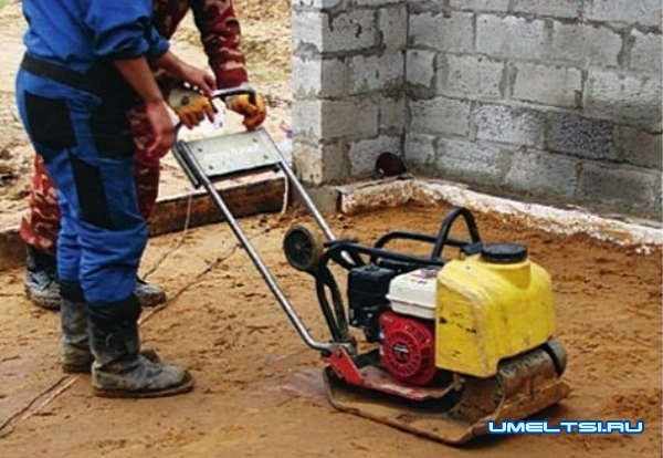 Строим гараж на участке