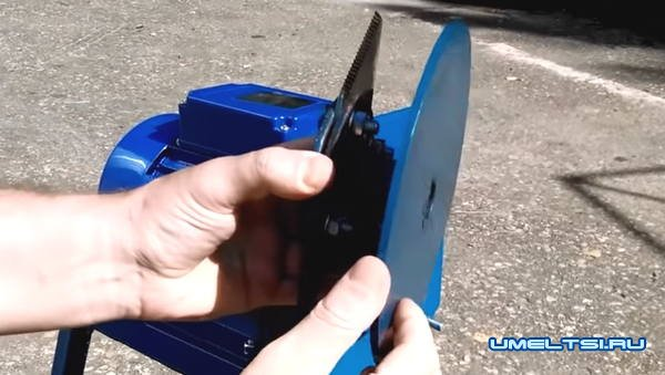 мини дробилка для измельчения веток
