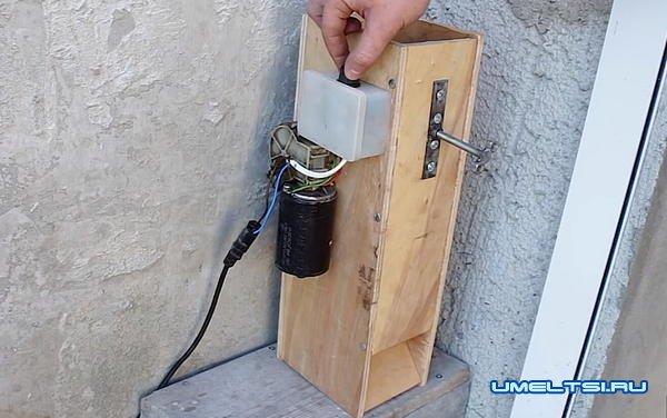 Электрический орехокол из фанеры