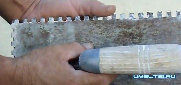 для быстрого нанесения клея на плитку