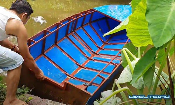 моторная лодка из пластиковых бочек