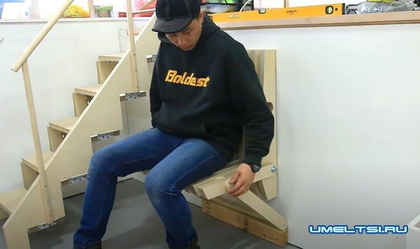 Делаем складной стул из фанеры в прихожую