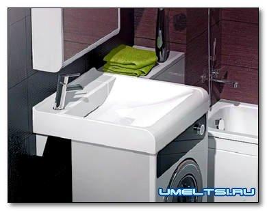 Раковина над стиральной машиной — просто и практично
